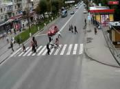 На пішохідному переході біля другої лікарні вантажівка вбила жінку