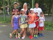 У вінницьких тенісних змаганнях дівчата перемагали юнаків