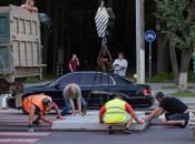 З двох небезпечних «зебр» на Хмельницькому шосе острівці поставили лише на одній