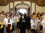 «Ви моліться за Україну, а ми будемо молитися за вас» . Вселенський Патріарх отримав подарунок з Вінниччини