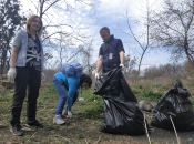 «Ну як тут можна гуляти з дітьми?»: навіщо активісти прибирали у Вінниці сміття