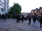 Рейдерське захоплення заводу: тітушки, спецназ і штурм. Репортаж 20minut.ua