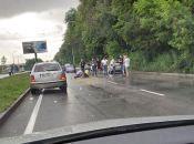 """ДТП на Барському шосе: водій """"Рено Логан"""" збив пішохода (ВІДЕО з місця)"""
