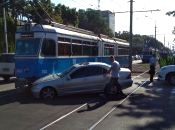 На Хмельницькому шосе трамвай не розминувся з Mercedes-Benz