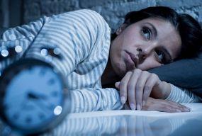Невиспані і роздратовані: як після карантину повернутися до нормального режиму сну