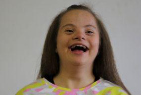 «Моя Маша не сонячна, а вогонь!», — каже мама дівчинки з синдромом Дауна, яка руйнує стереотипи