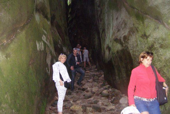 Позбутися гріхів вінничани можуть у скелях Довбуша