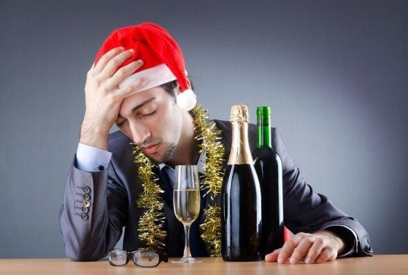 Новорічні свята: веселий привід та можливість стати алкоголіком