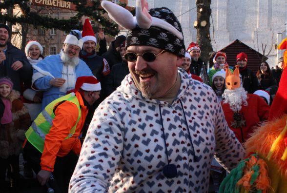 Діди Морози (і не тільки) на байках: як у Вінниці пройшов святковий велопарад