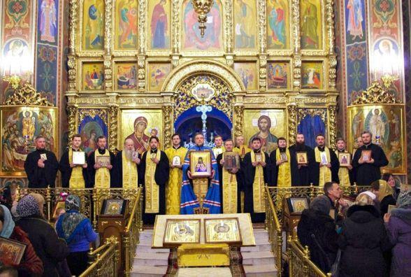 Розклад богослужінь у храмах міста. У Різдвяну ніч у церкву можна буде дістатися безкоштовно