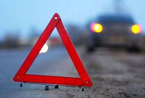 Смертельна ДТП: чоловік вибіг на дорогу та його переїхав «Ланос»