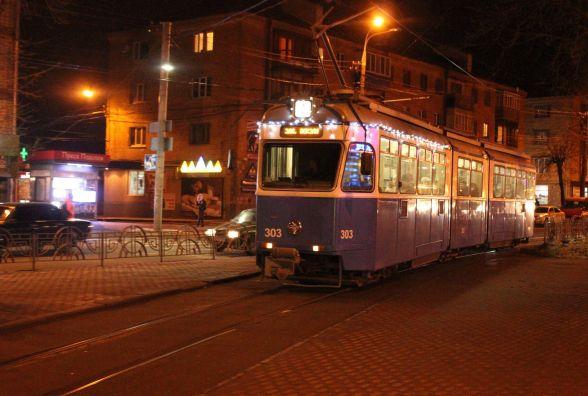 «Один штраф за два роки»: водії трамваїв «забувають» вмикати фари