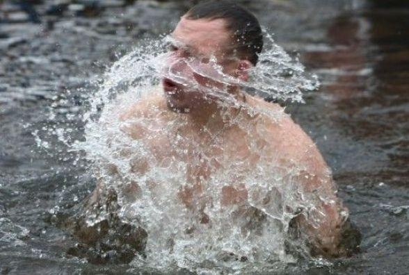 Ви коли-небудь занурювалися в ополонку на Водохреще і чи плануєте це зробити 19 січня?