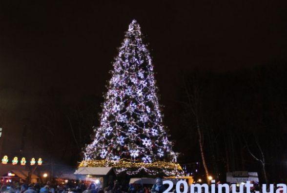 На Водохреща у Вінниці закриють новорічну ялинку 2017.Програма свята