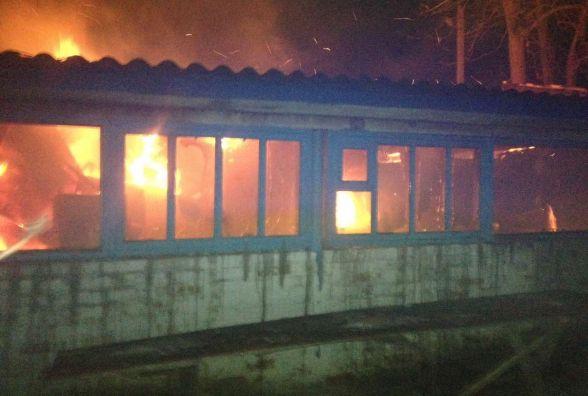 Через несправну грубку на Вінниччині згорів магазин з продуктами (ФОТО)