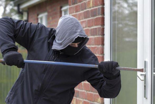 Під Вінницею «на гарячому» зловили 25-річного крадія. Зараз він в ізоляторі