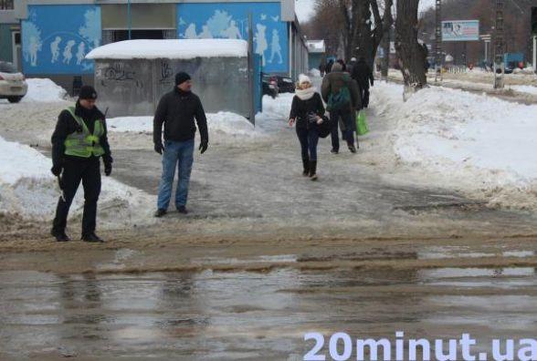 Прорив водогону у Вінниці: сім вулиць мають проблеми з водою