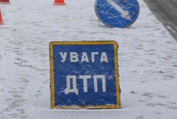 На Немирівському шосе стукнулись дві дев'ятки, а на Привокзальній «ГАЗ» збив людину (ФОТО)