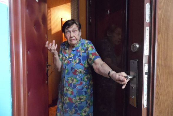 Вибуху гранати, що зірвалась на Пирогова, у сусідніх квартирах не чули (ВІДЕО)