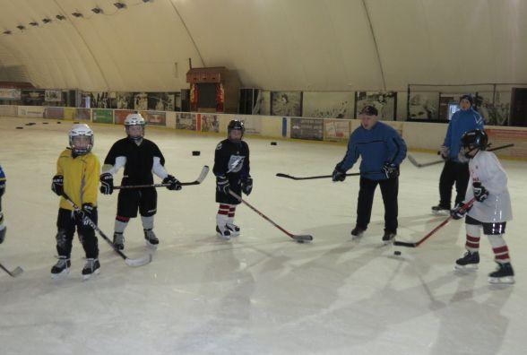 Підростає зміна хокейним «Патріотам» і «Гайдамакам»