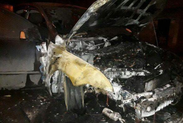 Поліція шукає, хто підпалив «Ford» Уманця. В мережі пишуть, кого підозрюють