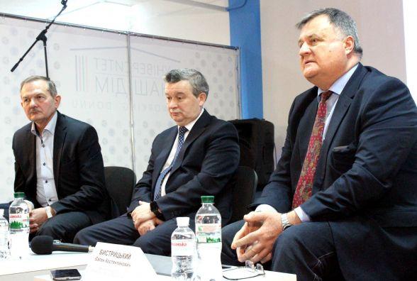 Нові корпуси, лабораторії та студенти —  два роки життя Донецького університету у Вінниці