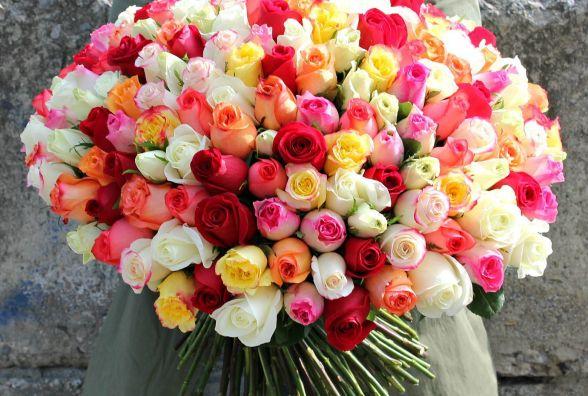 Все заради неї. В Києві 15-річний вінничанин вкрав 76 троянд для коханої (ФОТО)