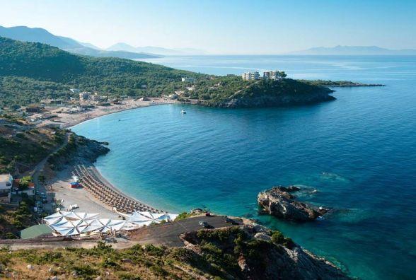 Вінничани подорожуватимуть в Албанію без віз. Треба паспорт або посвідчення моряка