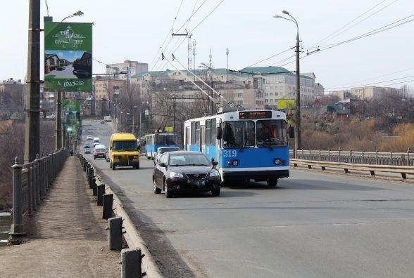 Завтра, 11 березня, закриють для авто Київській міст. Схема об'їзду