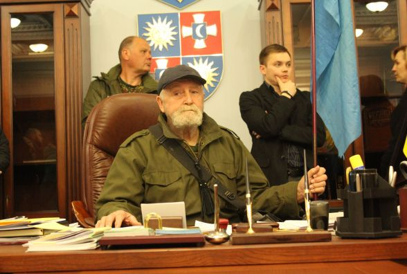 Як активісти змусили Олійника скликати позачергову сесію (ФОТО, ВІДЕО)