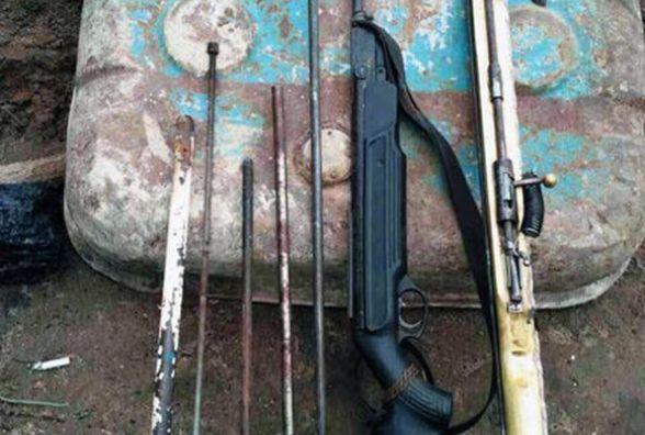 В Хмільнику чоловік пішов по гриби, а назбирав… гранату Ф1 та іншу зброю (ФОТО)