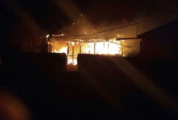 Дві пожежні машини гасили будинок біля Курилівців. Одну прислали аж з Вінниці