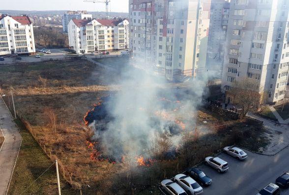 Вулиця Пирогова уся в диму. Що сталося? (ОНОВЛЕНО)
