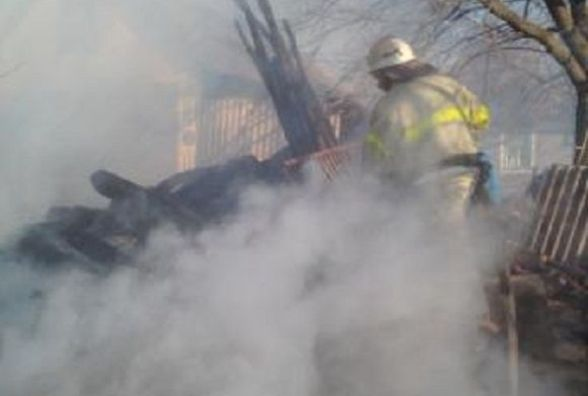 У Ямпільському районі хтось знищив запас дров. ФОТО