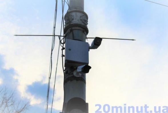На Центральному мосту встановили відеокамери. Навіщо?