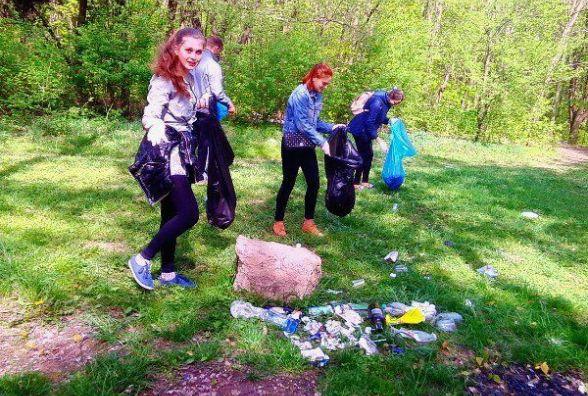 Майже 3 500 пакетів сміття назбирали вінничани під час екологічної акції
