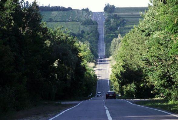 Сталінську дорогу будували під музику. Нині траса - у жахливому стані