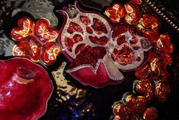 «Коли приходить натхнення»: Задоянчук покаже виставку картин на склі (ВІДЕО)