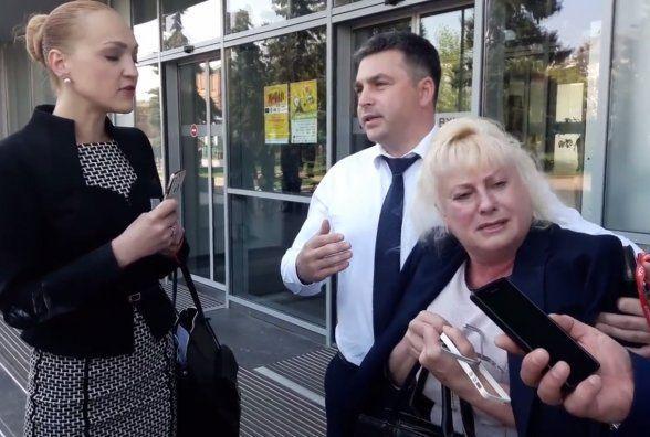 Прокуратура розслідує бійку депутаток Давиденко та Панчук. Кого покарають?