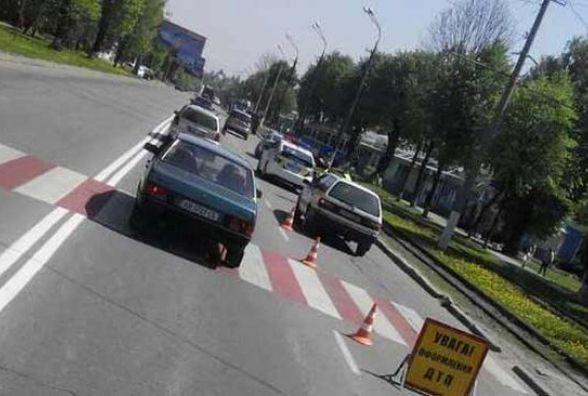 Біля Лісопарку «Volkswagen» на зебрі збив вінничанку з немовлям (ФОТО)