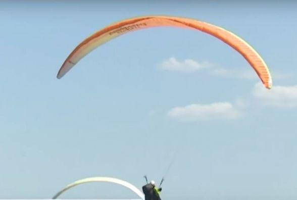 Як українці та іноземці літали на планерах над Дністром (ВІДЕО)