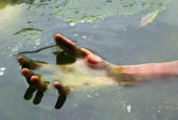 За невідомих обставин у Чернівецькому районі втопився чоловік