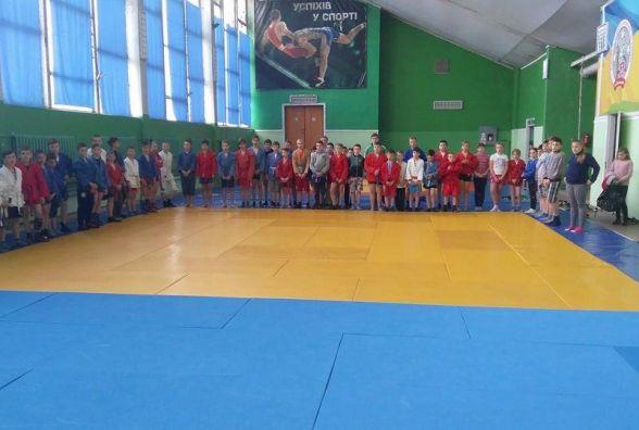 Збірна Вінниці виграла юнацький чемпіонат області з самбо