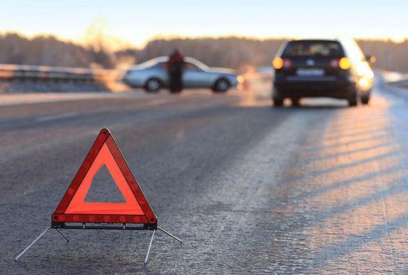Смертельна ДТП в Якушинцях: пішохід загинув на місці. Водія шукає поліція