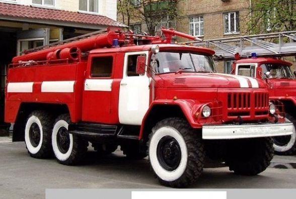 Пожежа в Вінниці на цегельному заводі. Гасили на двох пожежних машинах