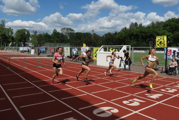Вінницька естафетна збірна виграла змагання з бар'єрного бігу «GoldenHurdles»