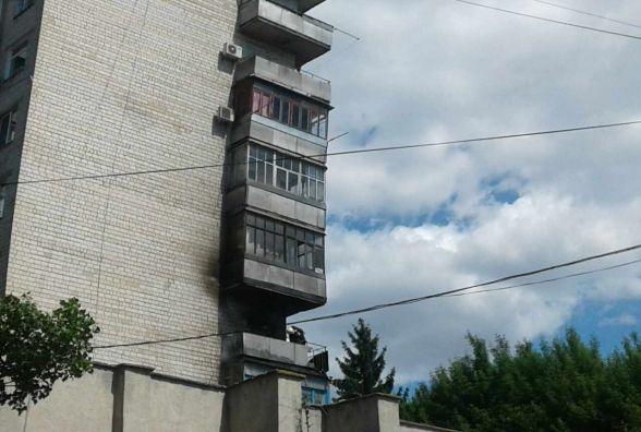 П'ять пожежних машин гасили квартиру в багатоповерхівці на Стеценка (ФОТО)