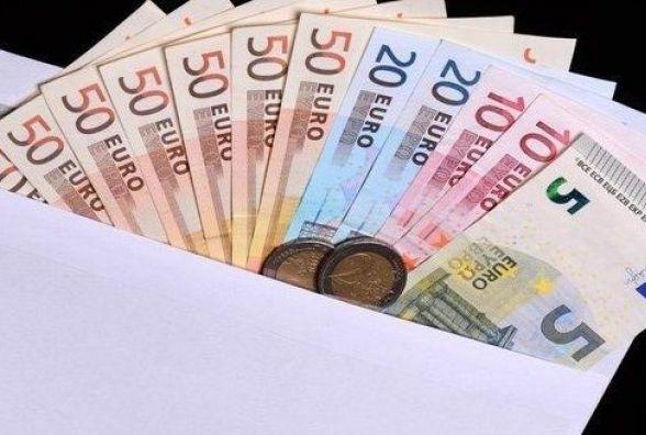 Тисячу євро видурили у вінничанки, збрехавши про виграш. Як покарали шахрайок?