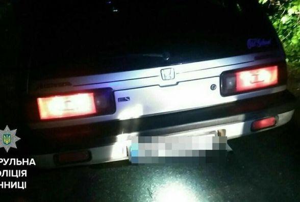 Нічне п'яне раллі: водій Honda повідбивав три колеса та тікав пішки (ФОТО)