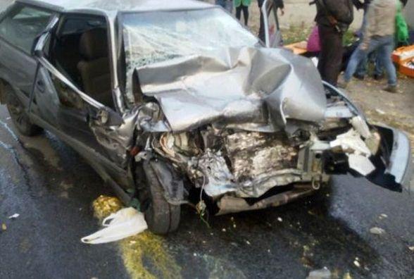 Лобове зіткнення у Жмеринці: молоді люди на «ВАЗі» в'їхали у авто пенсіонерів